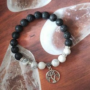💎 2 for $25 💎 Howlite Diffuser Bracelet